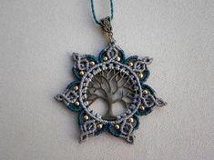 Macrame ''Tree Of Life MANDALA'' Necklace. Tribal par QuetzArt
