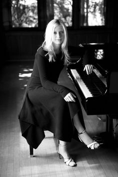 Valentina Lisitsa. Beautiful. Check. One of the most astounding virtuoso pianists to arise during this era. Check... Well, she's gotta be a terrible cook or something.