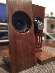 Hand made one of a kind solid walnut open baffle speakers with 8 full range drivers. Rated for at 8 ohms. Satin semi distress hand rubbed wax and Speaker Amplifier, Hifi Speakers, Hifi Audio, Diy Bookshelf Speakers, Wooden Speakers, Diy Speaker Kits, Speaker Box Design, Audio Design, Sound Design