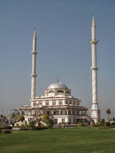 Sakina-Tu-Sugra (Jatoi) Mosque in Punjab, Pakistan