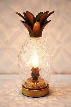 Plum & Bow Pineapple Table Lamp
