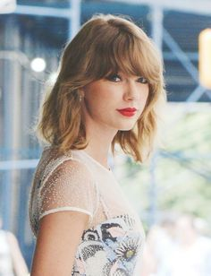 Hi I'm Taylor! I'm 21 and single. I have two cats and I like to sing. I'm addicted to traveling