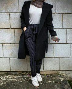 Shoes Are a complete no Modern Hijab Fashion, Street Hijab Fashion, Hijab Fashion Inspiration, Muslim Fashion, Modest Fashion, Fashion Outfits, Modest Wear, Modest Outfits, Trendy Outfits