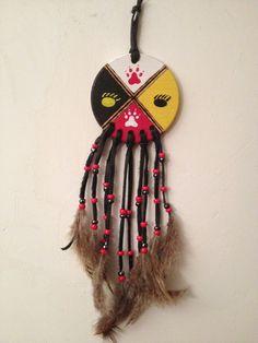 Roue Medecine - Medicine wheel - pattes de loups et pattes d'ours - 4 directions : Autres art par indian-heritage-arts