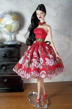 FR 'Stylish Retreat' Veronique models a ooak red sundress.