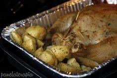 PANELATERAPIA http://www.panelaterapia.com/2015/06/frango-assado-com-batatas.html- Blog de Culinária, Gastronomia e Receitas: Frango Assado com Batatas