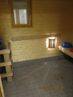 Nikulassa pääsee halutessaan saunaan. .Saunoa voi aamulla, päivällä ja illalla tilanteen ja oman halun mukaan. On juhannus- ja joulusaunaa perinteiseen tapaan. Jokainen asukas pääsee pesulle lämpimissä tiloissa.