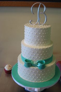 White wedding cakes with tiffany blue flowers | Tiffany Blue Elegant Buttercream Wedding Cake