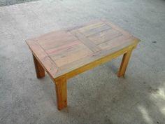 Cute Table Basse En Bois De Palette / Pallet Coffee Table  #livingroom #pallettable #repurposedpallet 100% recycled wooden pallets coffee table.   Table basse entièrement réalisée en palettes.      ...