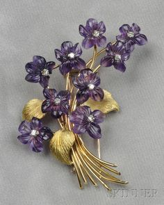 bijoux : Gold, Carved Amethyst, and Diamond Brooch, France Antique Brooches, Antique Jewelry, Vintage Jewelry, Vintage Costume Jewelry, Gems Jewelry, Gemstone Jewelry, Fine Jewelry, Diamond Brooch, Art Deco Diamond