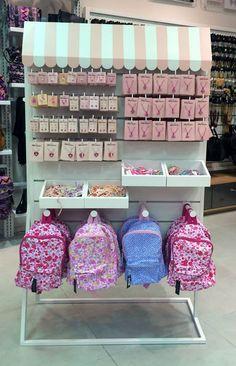 New display for Kids club corner Craft Fair Displays, Market Displays, Store Displays, Baby Store Display, Stall Display, Boutique Decor, Boutique Interior, Craft Show Ideas, Kids Store