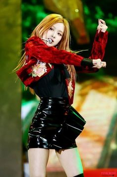 Rose Kpop Girl Groups, Korean Girl Groups, Kpop Girls, Blackpink Playing With Fire, Divas, Kim Jisoo, Park Chaeyoung, Blackpink Jennie, Stage Outfits