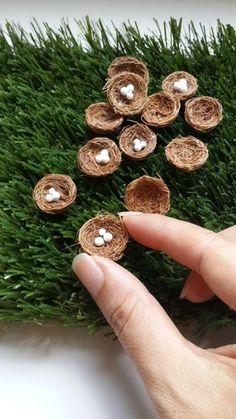 Garden Decor Fairy Garden Miniature Birds Nest for Bird Natural Fiber, Handmade Fairy Garden Furniture, Fairy Garden Houses, Ideias Diy, Fairy Garden Accessories, Miniature Fairy Gardens, Garden Crafts, Garden Ideas, Creations, Handmade