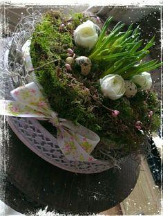 Voorjaar ,Paas taart, Garden Plants, Cabbage, Table Decorations, Vegetables, Spring, Food, Google, Flowers, Easter Activities