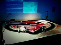 """e-peel me off 2010-11, installation interactive avec robots, partage de l'écran pour montrer le flux des tweets contenant le mot """"hate"""" ou le mot """"love"""" listés en temps réel, c.brandon Installation Interactive, Robot, Les Oeuvres, Bathtub, Contemporary Art, Standing Bath, Bathtubs, Bath Tube, Robots"""