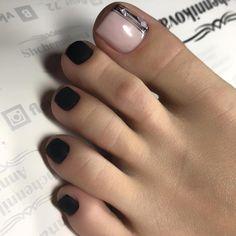 how to make nail Cute Toe Nails, Cute Toes, Cute Pedicures, Toe Designs, Toe Polish, Beautiful Toes, Pretty Hands, Women's Feet, Glitter