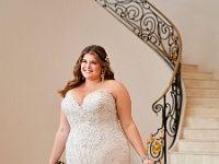 Engsitzendes sexi Brautkleid in XXL-Komfortgröße aus Spitze für mollige Braut mit Übergewicht. Engsitzendes sexi Brautkleid in XXL-Komfortgröße aus Spitze für mollige Braut mit Übergewicht. Schmeichelnder Herzausschnitt , tiefer Rückenauschnitt mit Schnürung oder Reißverschluss. Weiter Tüllrock mit langer Schleppe. Dieses Hochzeitskleid ist bis zur Grösse 62 und in Extralänge bestellbar. : Brautkleid fuer mollige, Brautmode für Dicke, Extralange Brautkleider, Herzausschnitt, Hochzeitskleider… Wedding Dresses, Outfits, Concrete, Men, Fashion, Wedding Dress Princess, Dress Wedding, Chapel Length Veil, Dresses For Wedding Guests