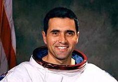 """Harrison """"Jack"""" Schmitt, ex-astronauta e geólogo da NASA:"""
