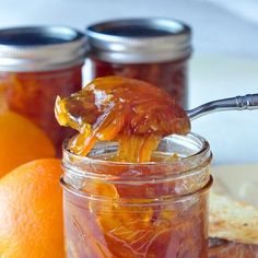 Orange Marmalade - who knew making marmalade was this easy? This recipe adds a little natural vanilla in what might me the best marmalade you& ever try. Rock Recipes, Jam Recipes, Canning Recipes, Recipies, Chutney Recipes, Making Marmalade, Orange Marmalade Recipe, Grapefruit Marmalade, Jam And Jelly