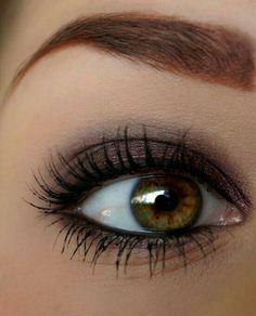 Pretty makeup for hazel eyes Eyeliner For Hooded Eyes, Wing Tip Eyeliner, Plum Eyeliner