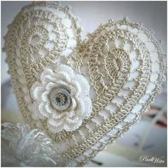 love this crochet heart pattern? Thread Crochet, Crochet Motif, Irish Crochet, Crochet Designs, Crochet Doilies, Crochet Yarn, Crochet Flowers, Crochet Stitches, Crochet Hearts