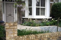 London front garden paving and mosaic tiles - Joanna Archer Garden Design Victorian Front Garden, Victorian Terrace, Victorian London, Victorian Gardens, Victorian House, Garden Paving, Terrace Garden, Terrace Ideas, Courtyard Gardens