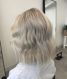 Fresh blonde bob by Shannon #blondehairstyles #blondehaircolor Blonde Bobs, Blonde Hair, Dimensional Brunette, Horsham, Hair Colour, Color, Hair Studio, Stylists, Fresh