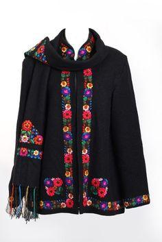Hungarian folk coat circa 1955 made in Hungary Folk Fashion, 1940s Fashion, Ethnic Fashion, Hungarian Embroidery, Folk Costume, Embroidered Blouse, Folklore, Refashion, Dress Patterns