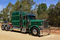 Custom Peterbilt, Peterbilt 379, Peterbilt Trucks, Big Rig Trucks, Semi Trucks, Cool Trucks, Custom Big Rigs, Custom Trucks, Truck Festival