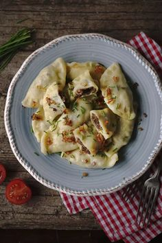 Dumplings, Cauliflower, Cabbage, Vegan Recipes, Food And Drink, Soup, Bread, Dinner, Vegetables
