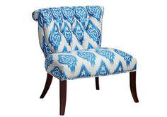 Wir setzen aufs Blau: 10 blau - weiß gemusterte Stuhl Designs - http://wohnideenn.de/mobel/07/blau-weis-gemusterte-stuhl-designs.html  #Möbel