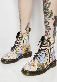 Dr. Martens Pascal Eastern Art Boots you're such a classikk work of art, babe! These 8-eye boots feature a detailed hand-drawn painting print with lil' gold studs all ova.