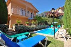 Passez des vacances en paix et en plein repos dans la villa Cesca avec piscine privée. La plage et les commerces se trouvent à proximité. http://locationvillalloretdemar.locationvillaespagne.com/lloret-de-mar/cesca/