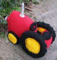 Crochet tractor --- like the wheels