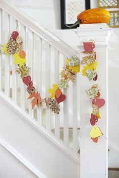 Fall Leaf Garland - use pretty scrapbook paper Fall Projects, Craft Projects For Kids, Easy Crafts For Kids, Creative Crafts, Craft Ideas, Kid Crafts, Decor Ideas, Autumn Crafts, Thanksgiving Crafts