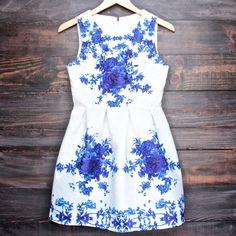 porcelain print embossed sleeveless dress in white and navy - shophearts - 1