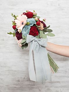 How to make the most gorgeous wedding bouquet out of felt flowers! Felt Flower Bouquet, Felt Flowers, Paper Flowers, Felt Roses, Diy Bouquet, Fabric Flowers, Wedding Event Planner, Wedding Events, Budget Wedding