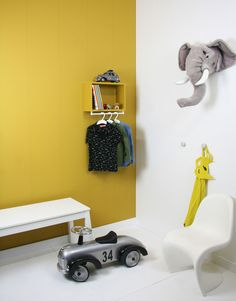 ochre gold in the childrens room