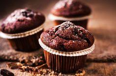 Kaffeemuffins mit Schokoladewürfeln