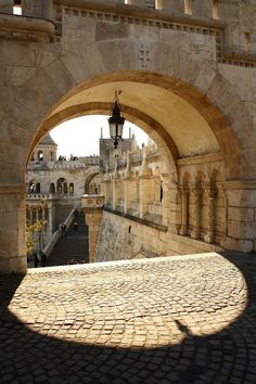 an arch in fisherman's bastion, budapest, hungary | travel photography #fortifications
