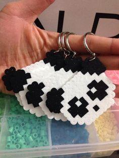 Easy Perler Bead Patterns, Melty Bead Patterns, Perler Bead Templates, Diy Perler Beads, Perler Bead Art, Beading Patterns, Hamma Beads 3d, Hamma Beads Ideas, Pearler Beads