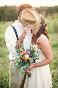 Fall Engagement Photo Shoot and Poses Ideas 44