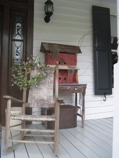 Get ready Readers.   This is one really Pretty Old House.   It's so PRETTY it's going to take me several posts to show it all.              ... Small Porches, Decks And Porches, Country Porches, Front Porches, Rustic Porches, Rustic Backyard, Country Homes, Country Life, Country Decor