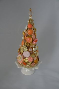 Cone Christmas Trees, Jewelry Christmas Tree, Jewelry Tree, Vintage Christmas Ornaments, Christmas Crafts, Christmas Bulbs, Christmas Decorations, Cone Trees, Xmas