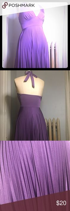 🔮💜💟sexy pleated halter dress💟💜🔮 Poly/spandex halter dress. Stretchy and fun. Twirls beautifully. Good condition. Soprano Dresses Backless