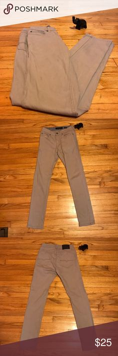 Men Vintage Khaki Slim Fit Jeans Size: 28x32 Khaki-Gray Vintage Slim-Fit Jeans | Very Comfortable | Great Dress Up Jeans | Versatile | Worn Less Than 5x Vintage Jeans Slim