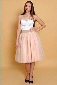 Fusta de tulle pe elastic Strapless Dress Formal, Formal Dresses, Vogue, Fashion, Formal Gowns, Moda, Fashion Styles, Formal Dress, Gowns