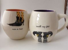 Set-of-2-Rae-Dunn-Magenta-HALLOWEEN-TRICK-OR-TREAT-COFFEE-MUGS-WITCH-SHOES-HTF