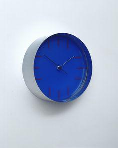 clock (model rudolph de harak (american, born chrome-plated metal and plastic, 3 x x cm). manufactured by rudolph de harak industrial design, inc. Moma Collection, Pendulum Clock, Kind Of Blue, Wall Clock Design, Wearable Device, New York, Antique Clocks, Modern Retro, Electric Blue