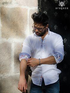 camisa blanca, básica pero con detalles... http://www.aragaza.com/